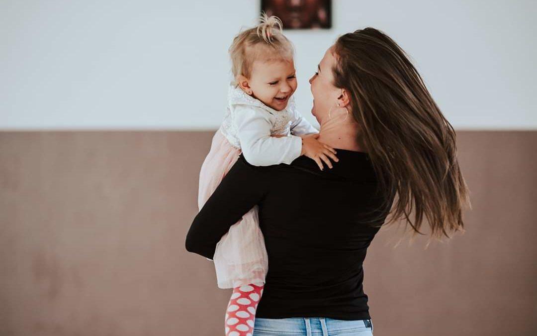 Hogyan Segített A Jóga Megtalálnom Magam Az Anyaságban És A Gyereknevelésben?
